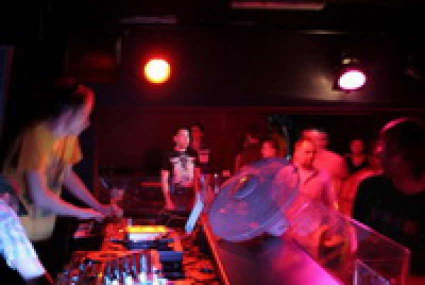 E! feat. Alex Metric @ Vinyl