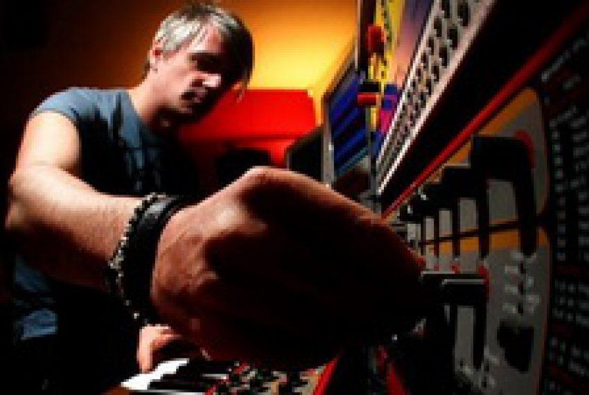 D Ramirez w studiu