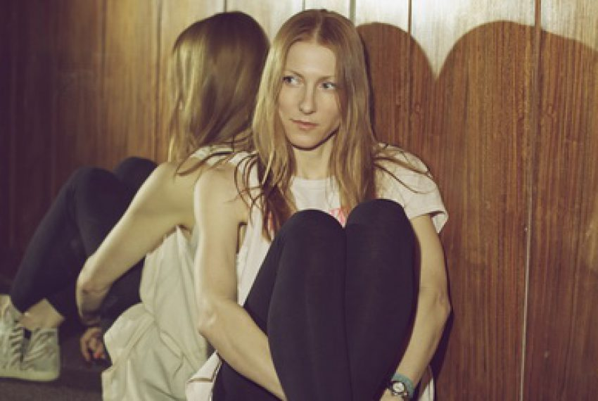 Gwiazdy remixują 'Dust' Ellen Allien