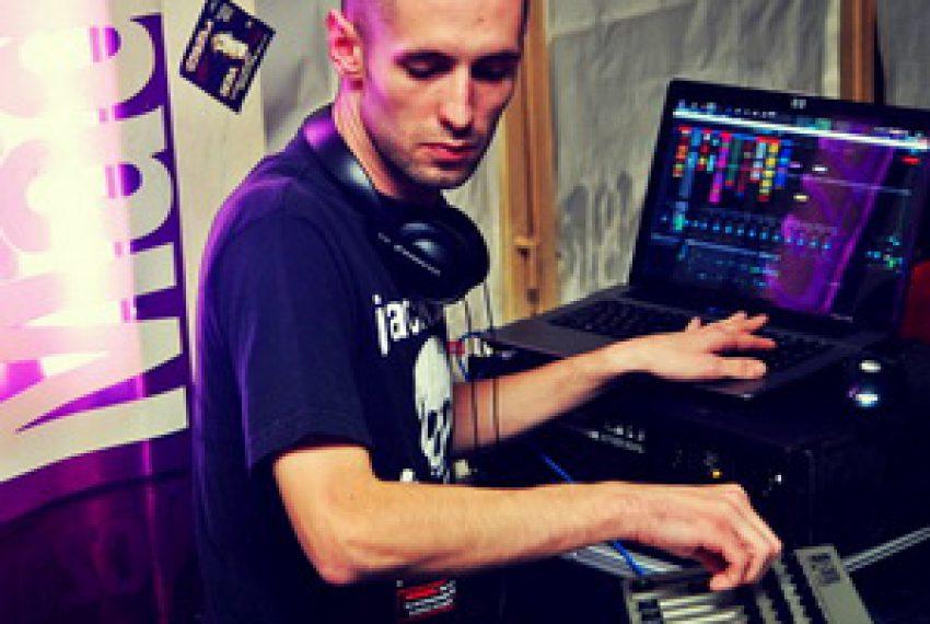 Analogen & Minicromusic Showcase @ 8 Bitów Poznań