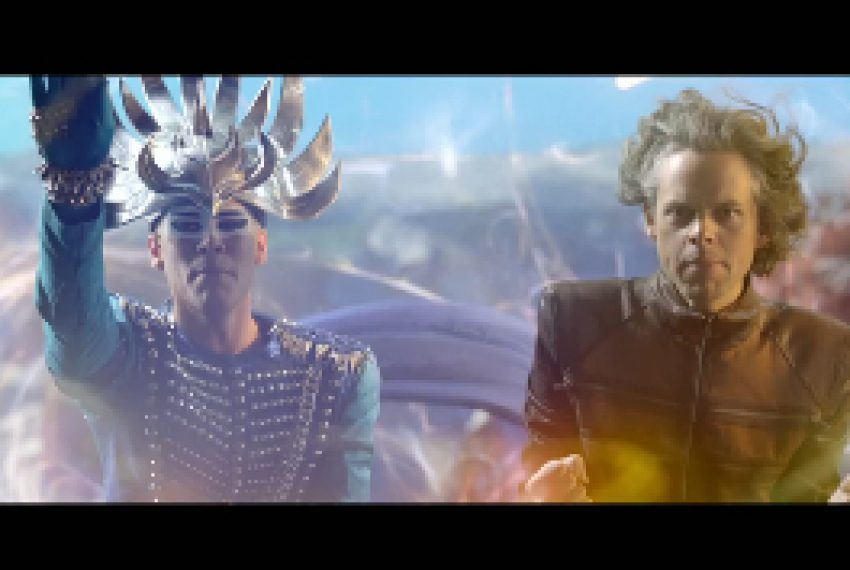Empire Of The Sun – Alive