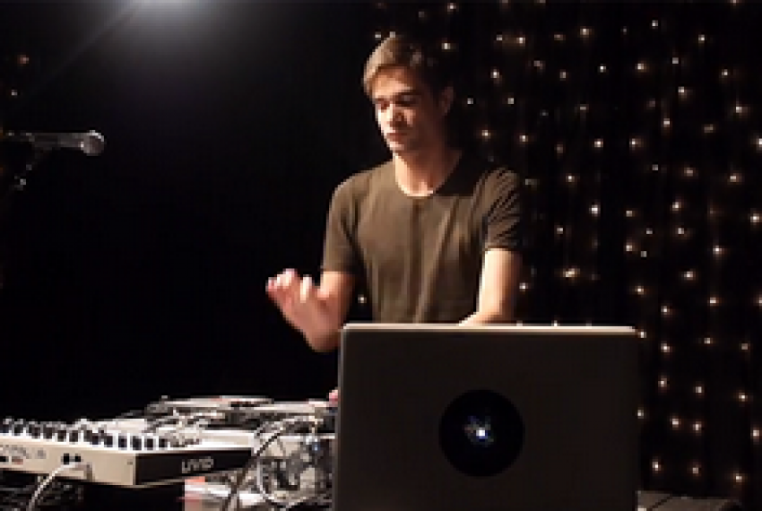 Jon Hopkins – Live on KEXP