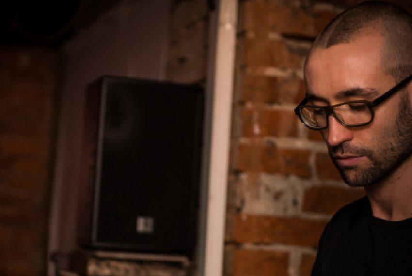 """""""Czy techno to sztuka?"""" – wywiad z Łukaszem Naporą"""