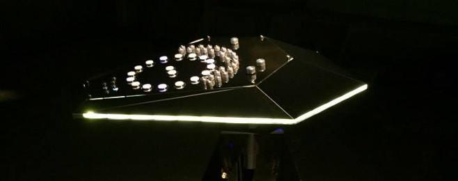 Zobacz instrument zaprojektowany przez Jeffa Millsa