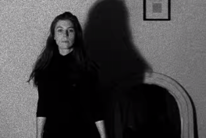 Julia Holter – Silhouette