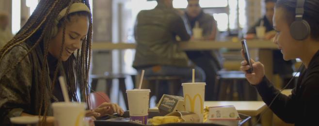 Granie do kotleta (w McDonald's)