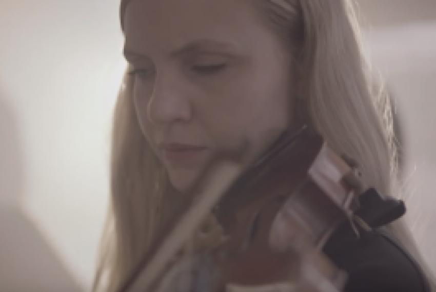 Ólafur Arnalds – Öldurót ft. SinfoniaNord, Atli Örvarsson