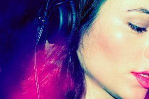 Za mało techno w techno? Fani krytykują Ninę Kraviz