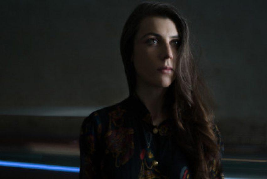 'Żywy' album Julii Holter – POSŁUCHAJ