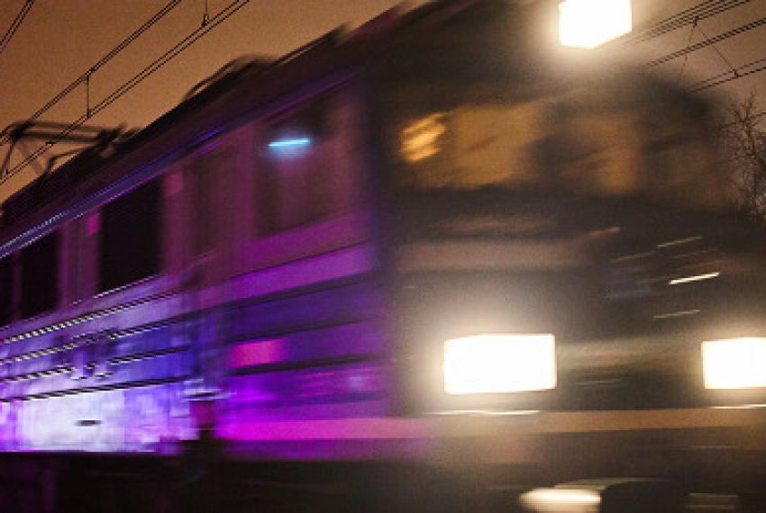 Pociąg zamieniony w instrument muzyczny – zobacz niezwykły projekt Mount Kimbie i Desperadosa