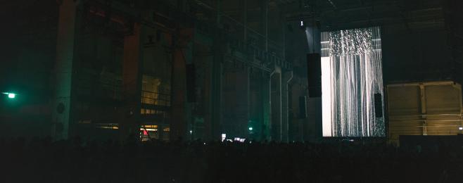 Ponad 100 artystów w starej berlińskiej elektrowni