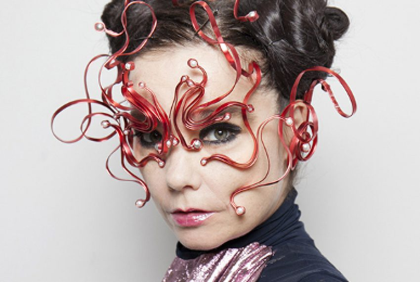 Björk ogłasza tytuł płyty i przedstawia pierwszy singiel