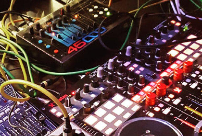 W Berlinie zakazano DJ-om grania z winyli i CD