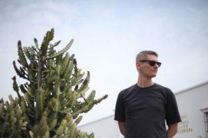 Jacek Sienkiewicz powraca z eksperymentalnym albumem
