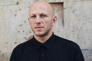 """DVS1: """"Chciałem zmian dla ludzi, którzy podążają za muzyką jako przeżyciem"""" – wywiad"""