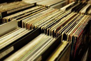 Amazon wstrzymuje sprzedaż nowych płyt CD i winyli