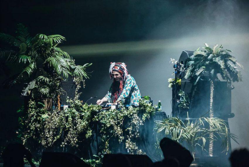 DJ Koze i Róisín Murphy wspólnie na scenie w Sydney Opera House