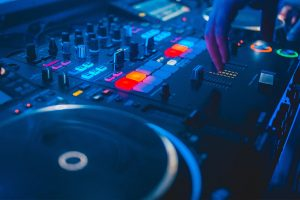 W objętych kwarantanną Włoszech trwa najdłuższy w historii DJ Set