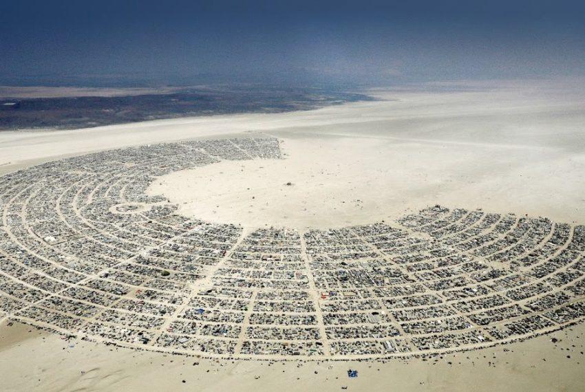 Burning Man jednak z obowiązkiem szczepień? Do końca kwietnia poznamy decyzję