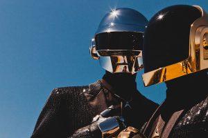 """Posłuchaj wyjątkowego """"tribute mixu"""" poświęconego Daft Punk"""
