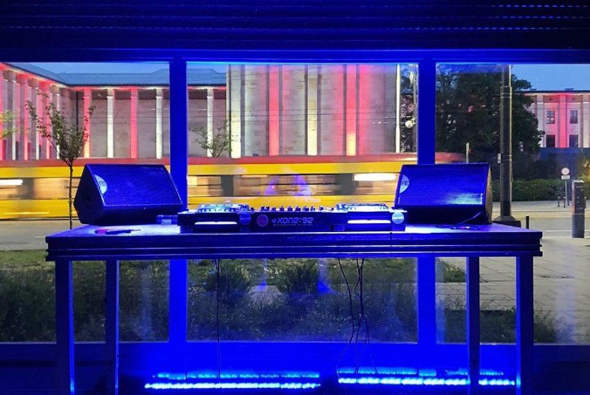 Startuje warszawskie radio streamingowe The Blue Oyster