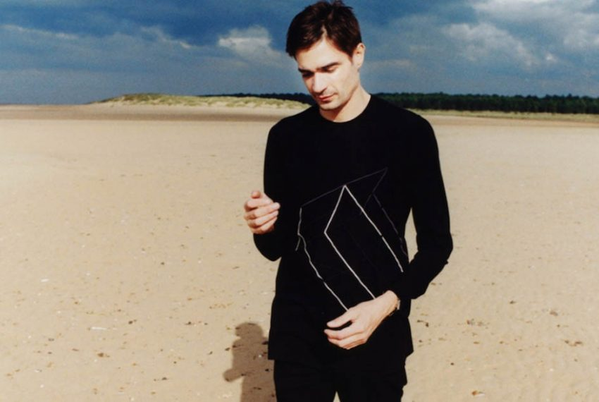 Jon Hopkins coveruje