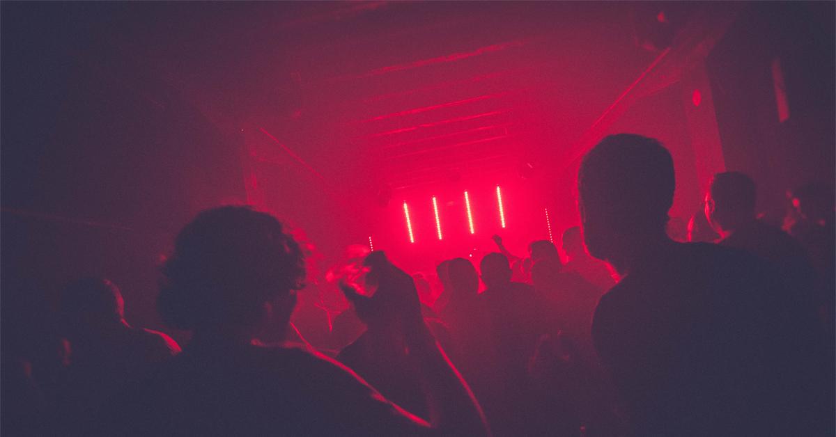 Szwajcarska scena klubowa – imprezy o małej pojemności i bez dystansu społecznego