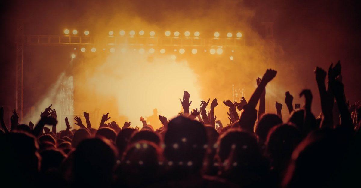 Powrót koncertów dopiero jesienią 2021? Tak prognozuje amerykański ekspert