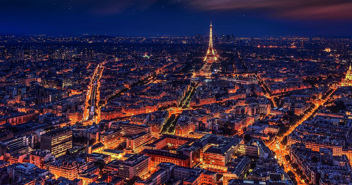 Francja zakazuje zgromadzeń powyżej 1000 osób w 11 miastach, w tym w Paryżu