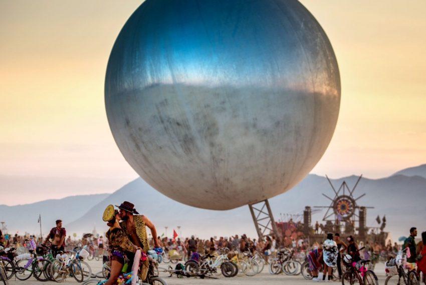 """Raidho i Foxall zagrają na na Burning Man """"Multiverse"""""""