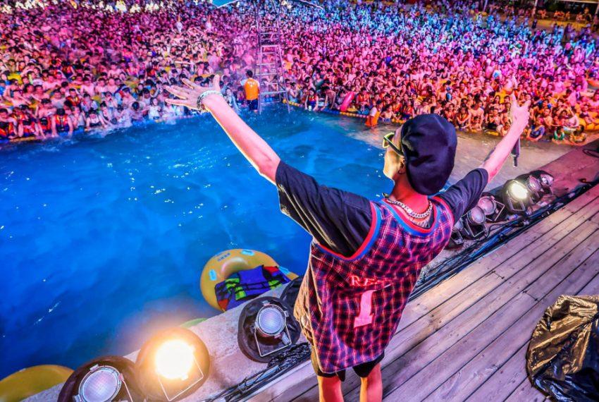 W Wuhan odbył się festiwal muzyki elektronicznej na kilka tysięcy osób