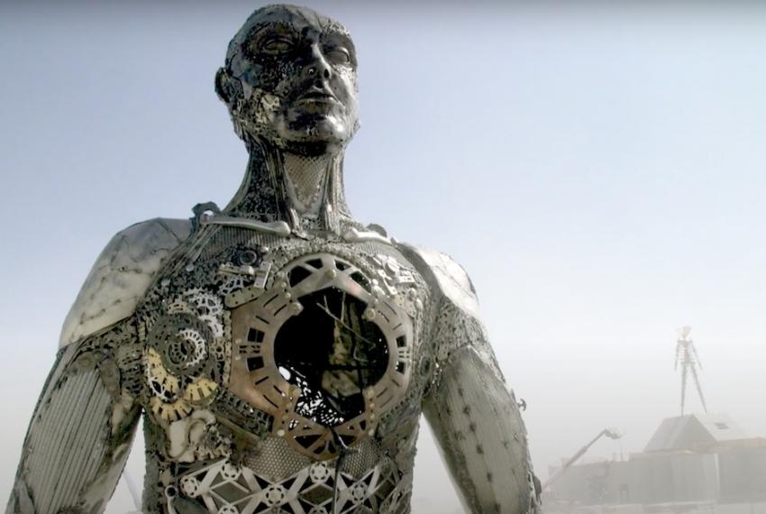 Widzieliśmy dokument o festiwalu Burning Man. To przyjemny, choć tendencyjny film