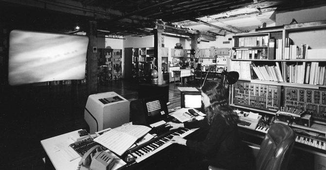 """""""Sisters With Transistors"""" – powstał dokument o pionierkach muzyki elektronicznej"""