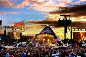 Węgorze na MDMA – czyli uważaj, gdzie sikasz na festiwalu