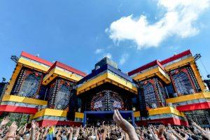 """Holandia: kilka tysięcy osób bawiło się na """"testowych imprezach masowych"""""""