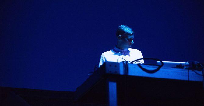 """Audiowizualne występy w formie albumu. Anthony Linell zapowiada """"Winter Ashes"""""""