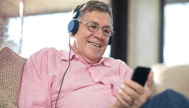 badania - słuchanie techno podnosi ciśnienie krwi