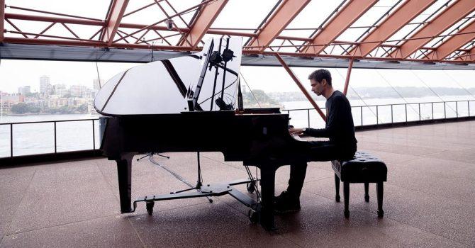 Listopad pod znakiem trasy koncertowej Jona Hopkinsa