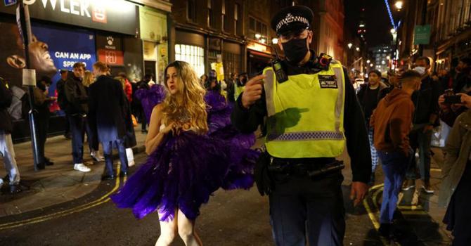 Brytyjskie kobiety na świeczniku policji. Chodzi o wzmożone bezpieczeństwo