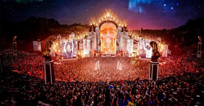 Tomorrowland One World Radio świętuje drugie urodziny wspólnie z Arminem Van Buurenem, Afrojackiem i Tiësto