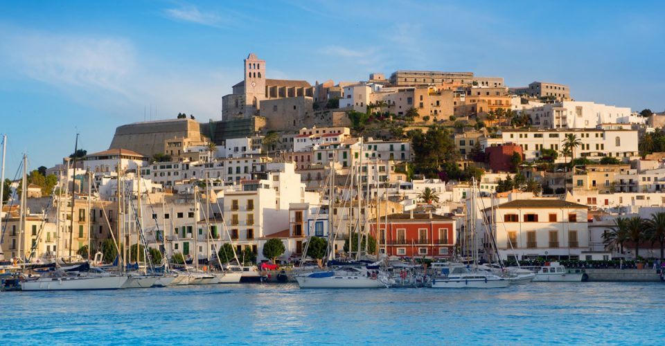 Ibiza - już niedługo powrócą imprezy?