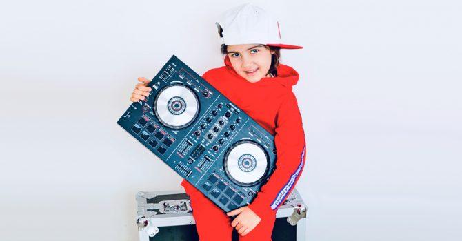A Ty co robiłeś w wieku 9 lat? Bo DJ Michelle bierze udział w MŚ DJ-ów
