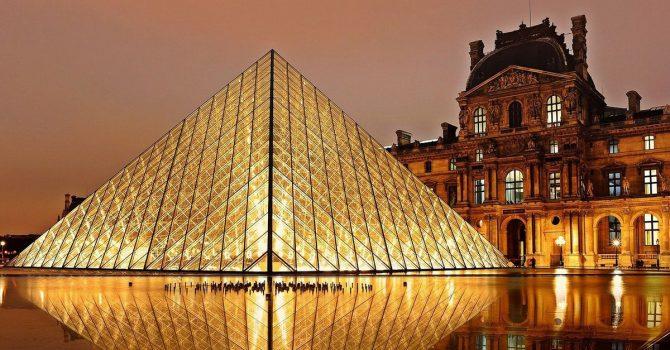Francja zachęca młodych ludzi do kontaktu z kulturą, jednocześnie wspierając ten sektor