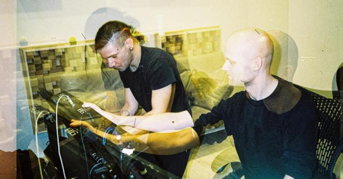 """Skrillex łączy siły z Noisia i Josh Panem w """"Supersonic (My Existence)"""""""