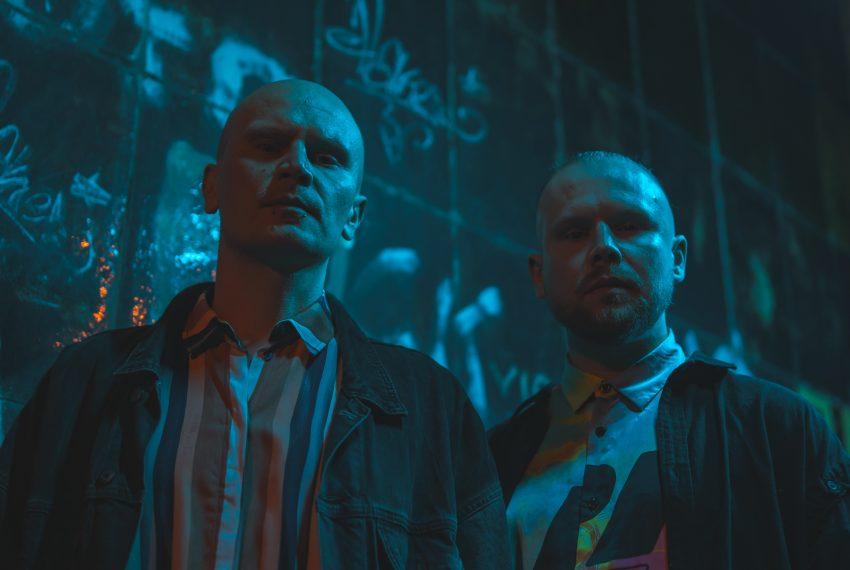 Bracia Sarapata idą jak po swoje, wypuszczając trzeci singiel z debiutanckiego albumu