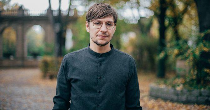 Jonas Saalbach – Warszawa, Lekko Techno i pierwszy występ o ponad roku