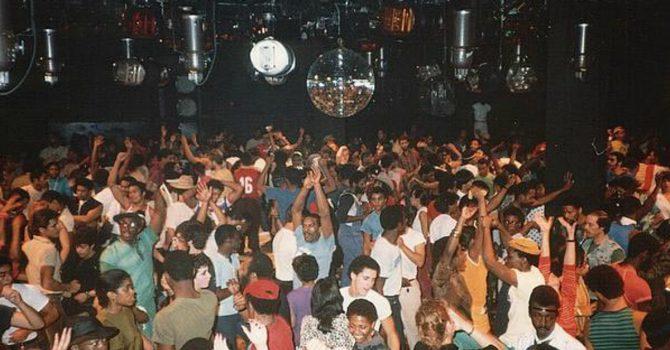 Swobodny styl i magia ekspresji. Dlaczego house dancing zniknął z klubowych parkietów?