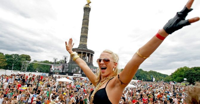 Rave The Planet: stream z TikTokiem oraz Dr. Motte w Polsce
