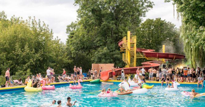Błękit – twórcy Lunaparku otworzyli basen pod gołym niebem