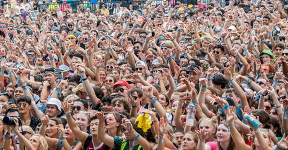 Lollapalooza - liczenie zakażonych